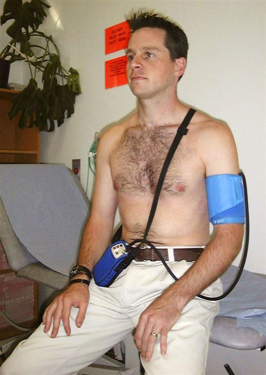 Ambulatory_blood_pressure_monitor_set_up